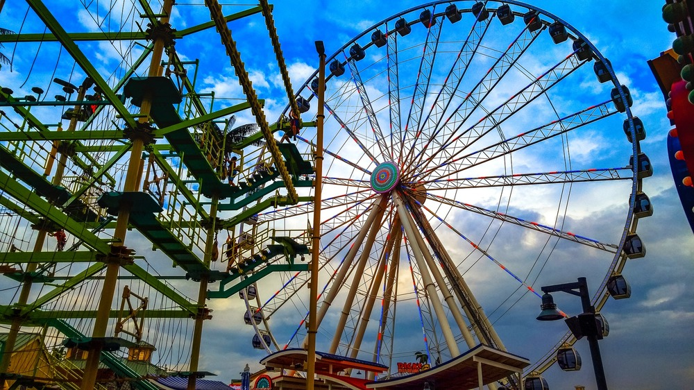 pigeon forge, things to do in pigeon forge, the island, ferris wheel