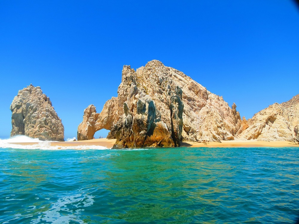 Sand, Sun, and Turquoise Waters: Best Beaches in Los Cabos