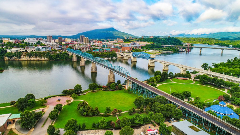 Drone shot of Chattanooga with views of the river