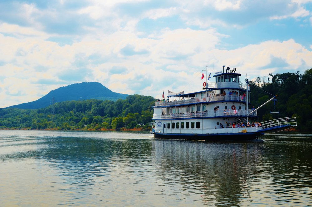 Southern Belle Riverboat in Chattanooga on the river