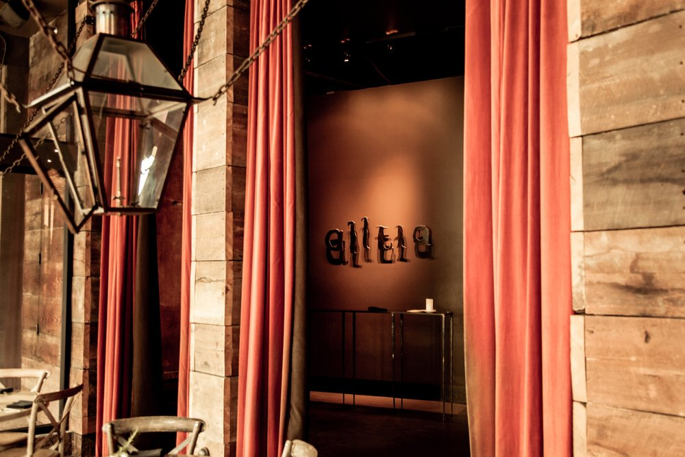 Alleia restaurant entrance in chattanooga