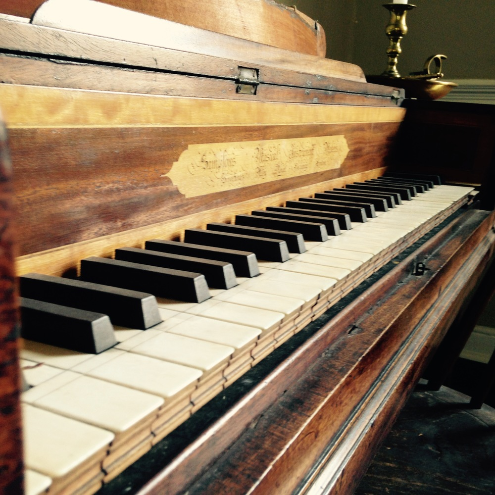 antique piano in historic homes in knoxville