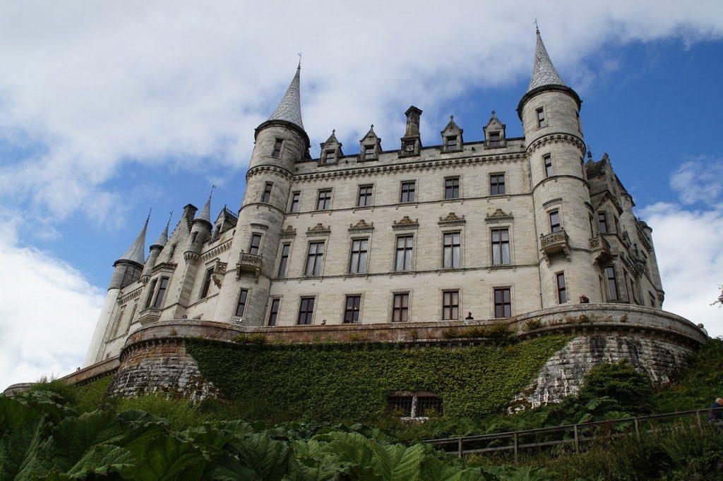 dunrobin castle in the scottish highlands