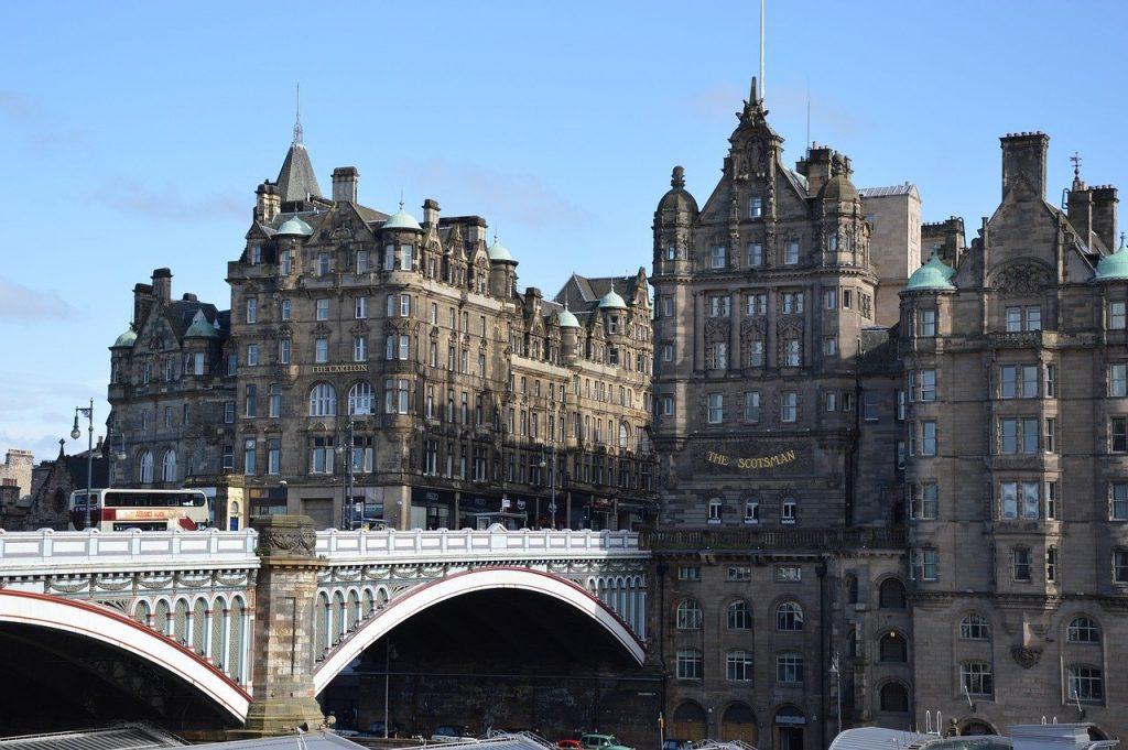 histoic edinburgh in scotland